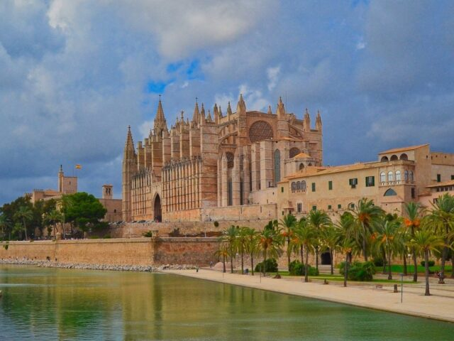 https://notariakuster.com/wp-content/uploads/2020/09/cathedral-Palma-640x480.jpg